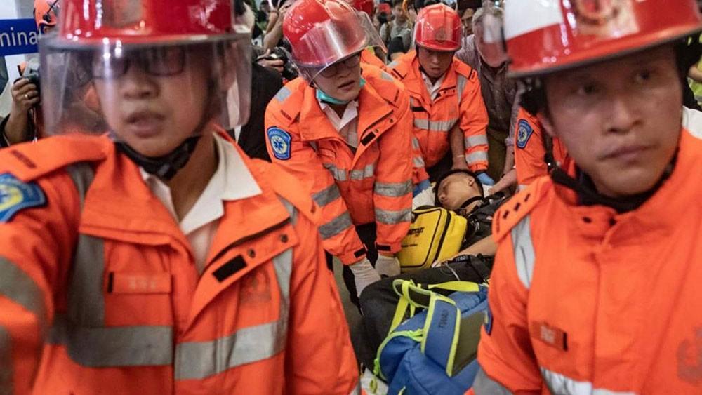 """الصين تدين أفعالا """"شبه إرهابية"""" في هونغ كونغ"""
