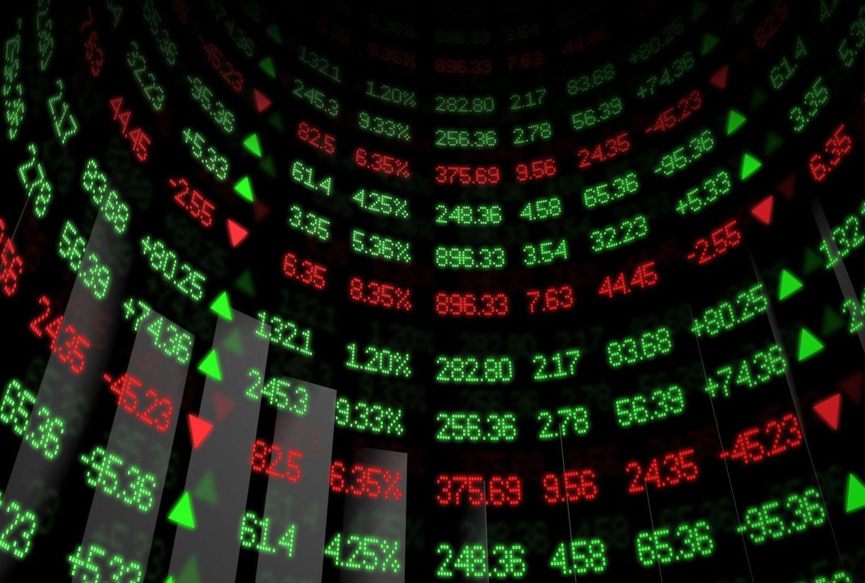 ترمب يُريح أسواق الأسهم
