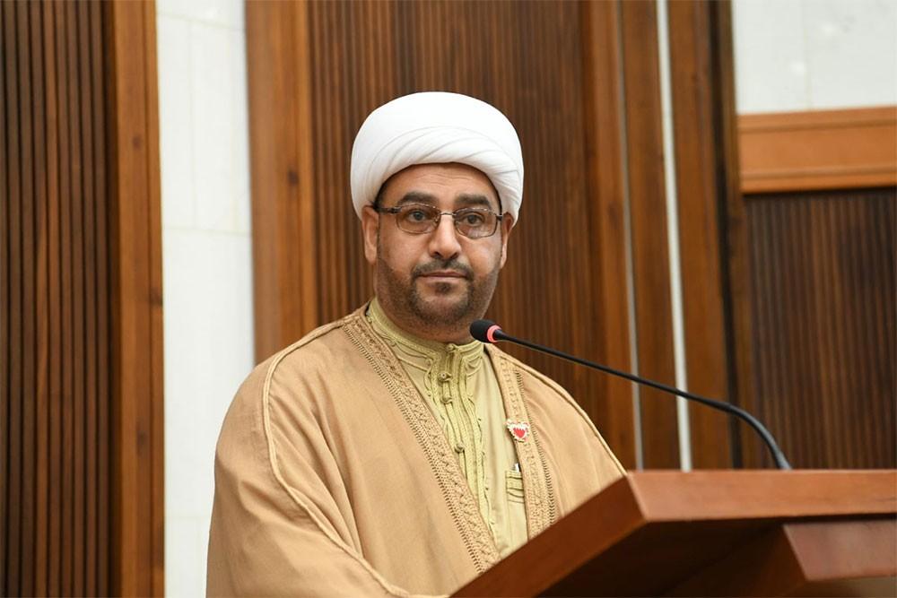 بوحسين: رئيس الوزراء رمز للسلام والتسامح