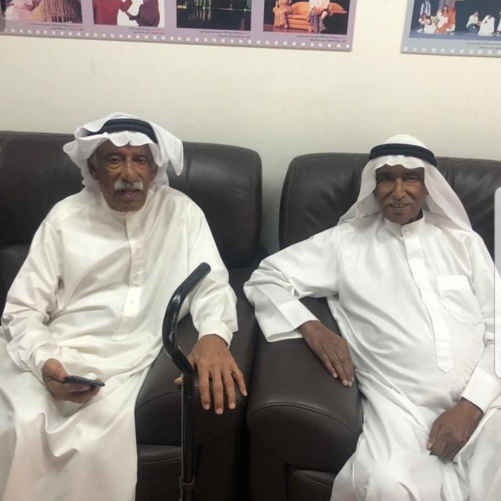 محمد عواد وإبراهيم الغانم في مسرح أوال بالعيد