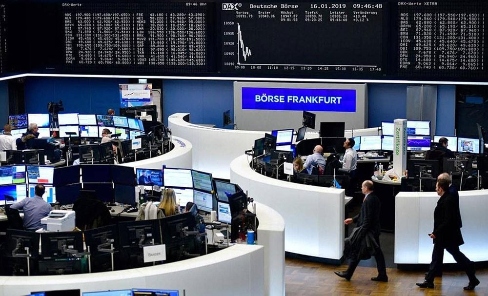 الأسهم الأوروبية تهبط لأدنى مستوى في 6 أشهر