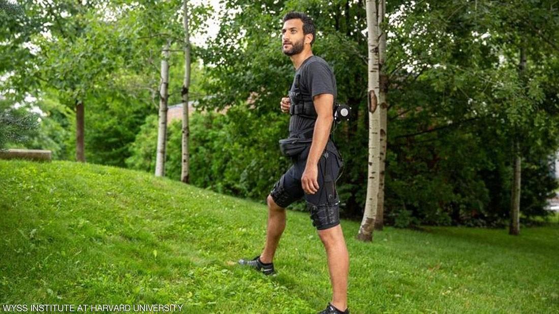 """لمشي وركض أسهل.. علماء يبتكرون """"الشورت الآلي"""""""