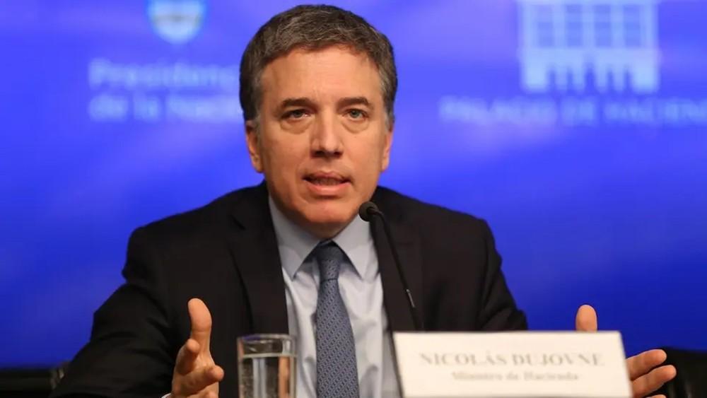 """وزير مالية الأرجنتين يستقيل بعد تدهور بورصة """"بوينس آيرس"""""""