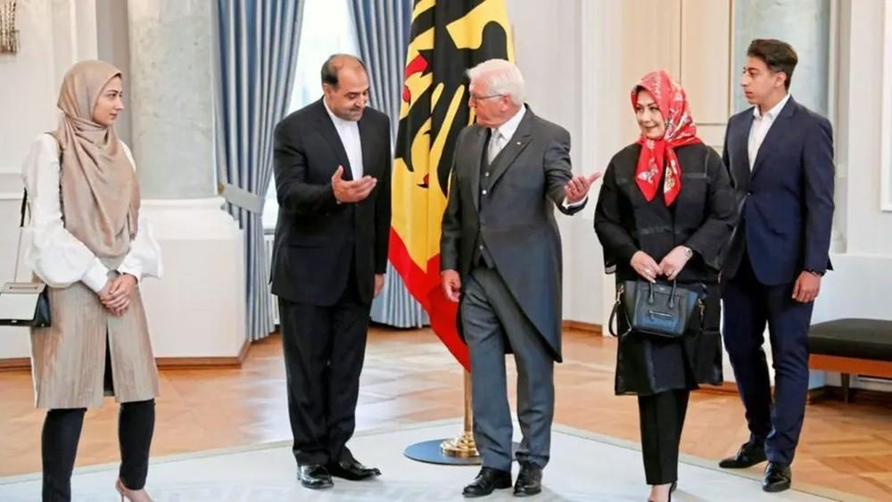 رئيس ألمانيا يواجه موجة انتقادات لتأييده نظام طهران