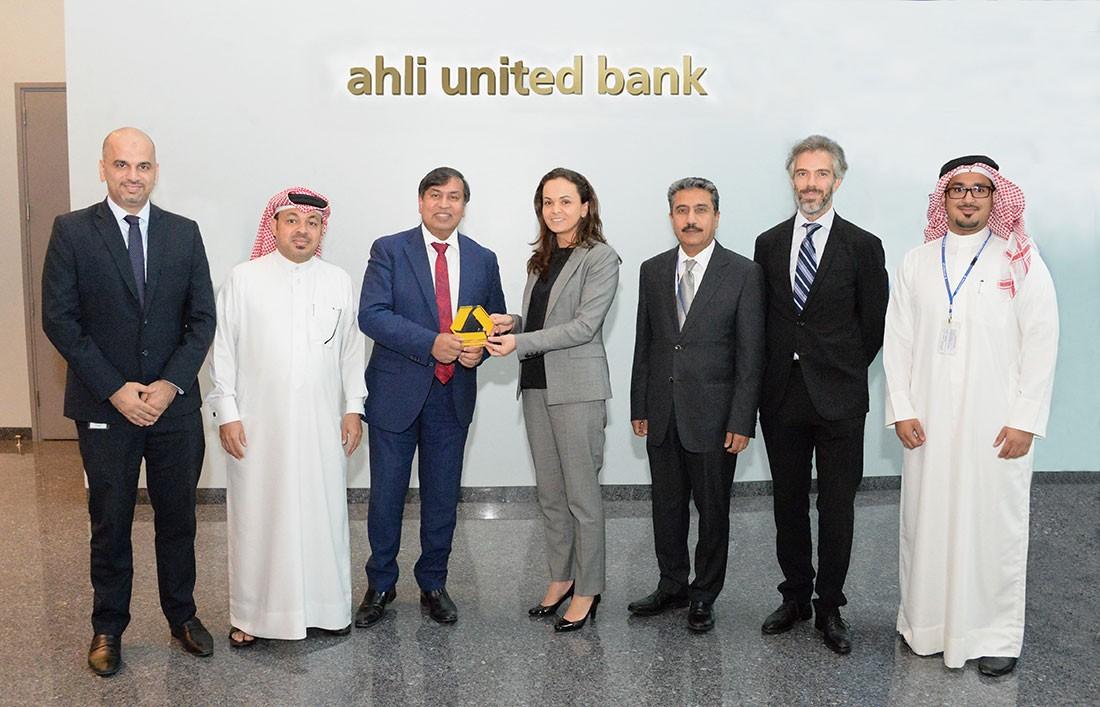 البنك الأهليّ المتّحد يتسلّم من كومرز بنك (Commerz Bank) جائزة المعالجة المباشرة (STP)
