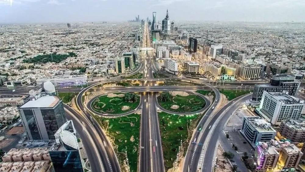 مجلس الوزراء اليمني يعقد اجتماعاً استثنائياً بالرياض