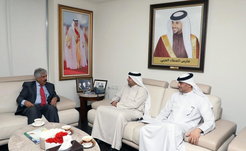 الدكتور مصطفى السيد يستقبل النائب محمد العباسي والعضو البلدي باسم المجدمي