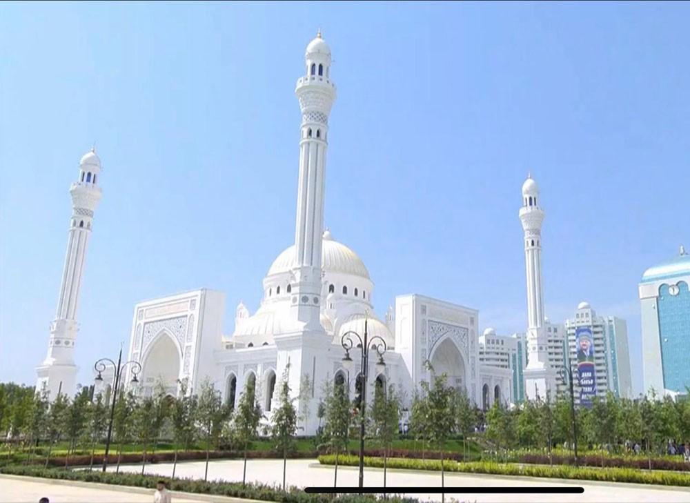 سفير البحرين في روسيا يشارك افتتاح جامع الرسول بالشيشان