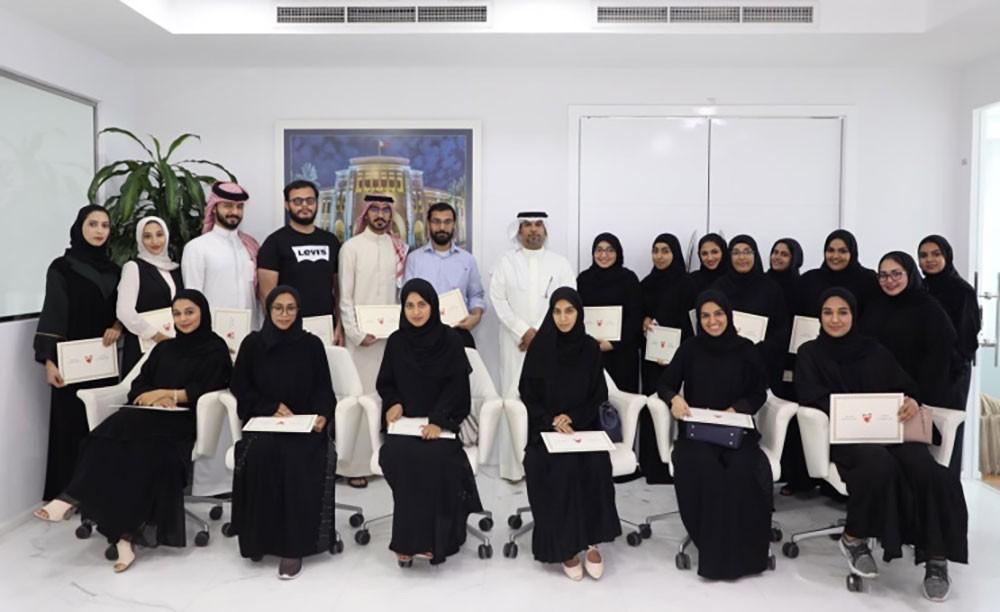 المجلس الأعلى للبيئة يكرم الطلبة المشاركين في البرنامج التدريبي قبل التخرج