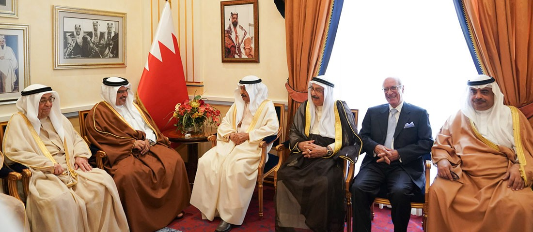 سمو نائب جلالة الملك وسمو رئيس الوزراء يُشددان على الاهتمام بالمشروعات الخدماتية والبنية التحتية