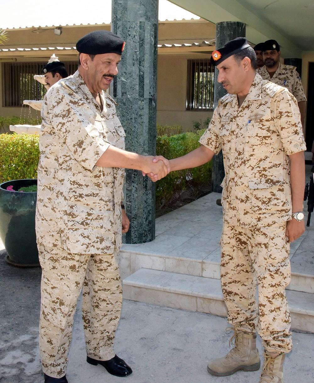القائد العام لقوة الدفاع يزور عددا من وحدات قوة دفاع البحرين