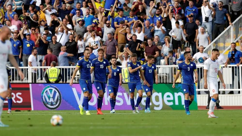 كوسوفو تصعق التشيك بثنائية وتواصل سلسلة عدم الخسارة