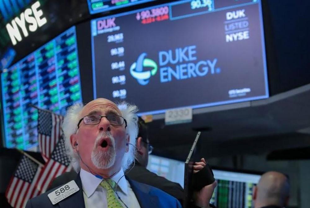 أسهم أميركا تفتح مرتفعة بدعم آمال التحفيز النقدي