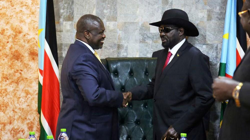 جنوب السودان.. مشار في جوبا لإنقاذ اتفاق السلام المتعثر