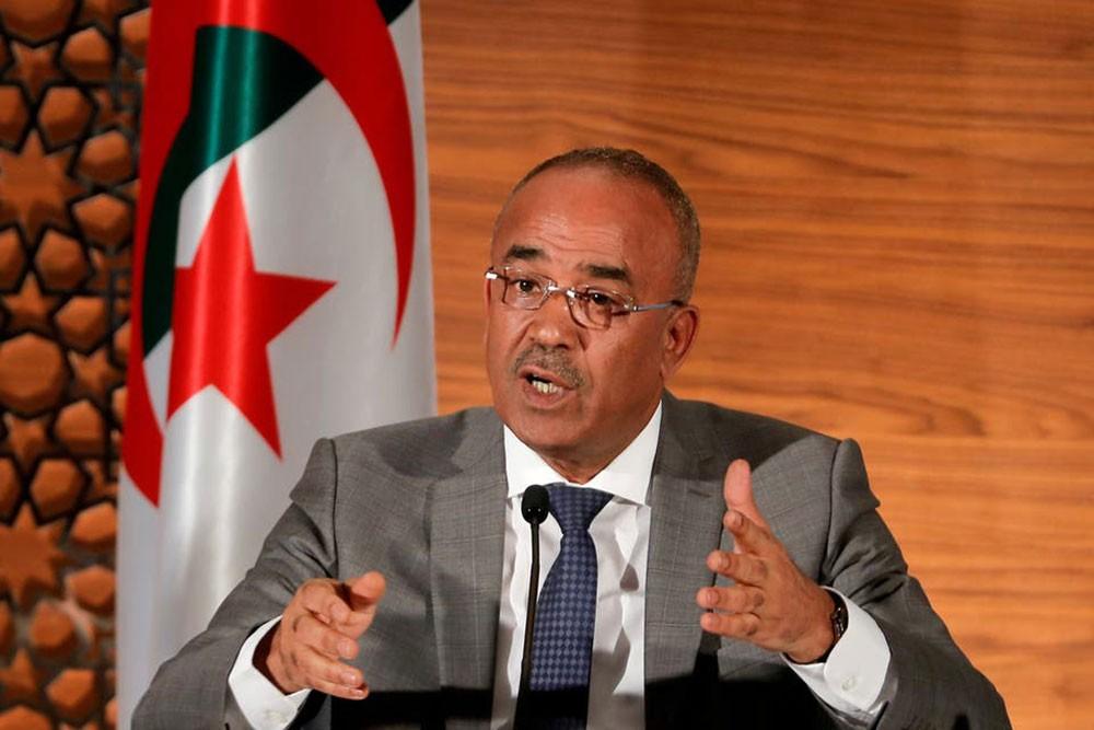 """رويترز: رئيس وزراء الجزائر """"سيستقيل قريباً"""""""
