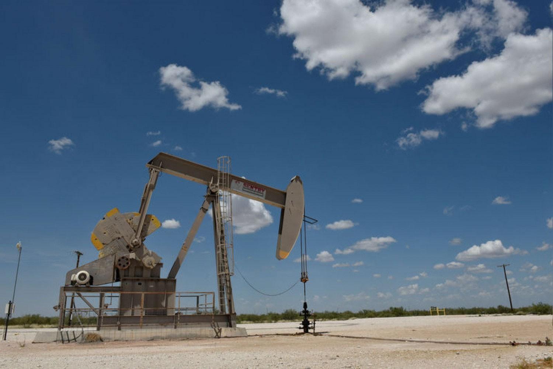 النفط قد يهبط إلى 25 دولارا في 2020
