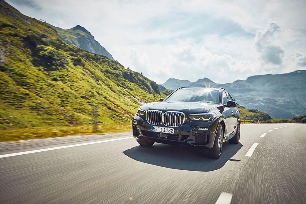 إطلاق BMW X5 xDrive45e الجديدة في السوق