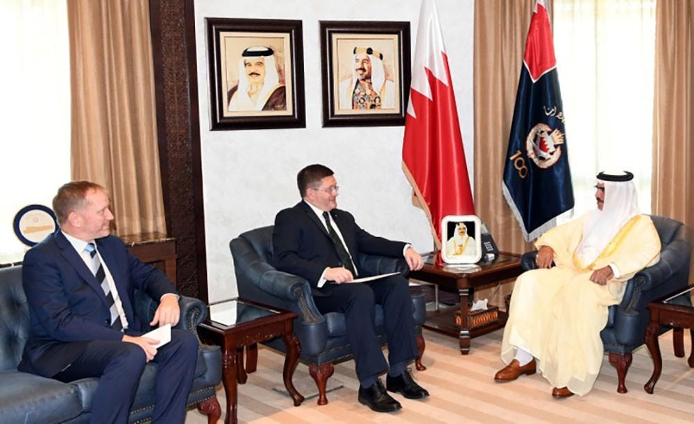 وزير الداخلية يستقبل سفير المملكة المتحدة الجديد