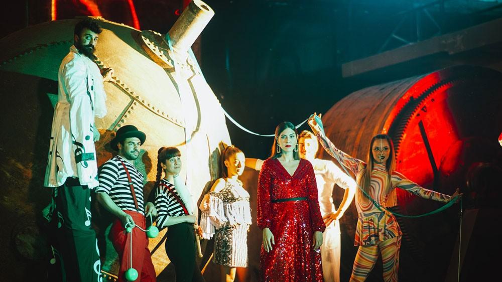 """بانه تطلق أولى أغانيها الفردية """"شو بينا"""" بالتعاون مع شركة الإنتاج يونيفرسال ميوزيك مينا"""
