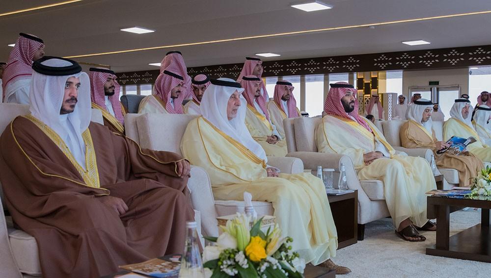 خالد بن حمد يشهد الحفل الختامي لمهرجان ولي العهد السعودي للهجن
