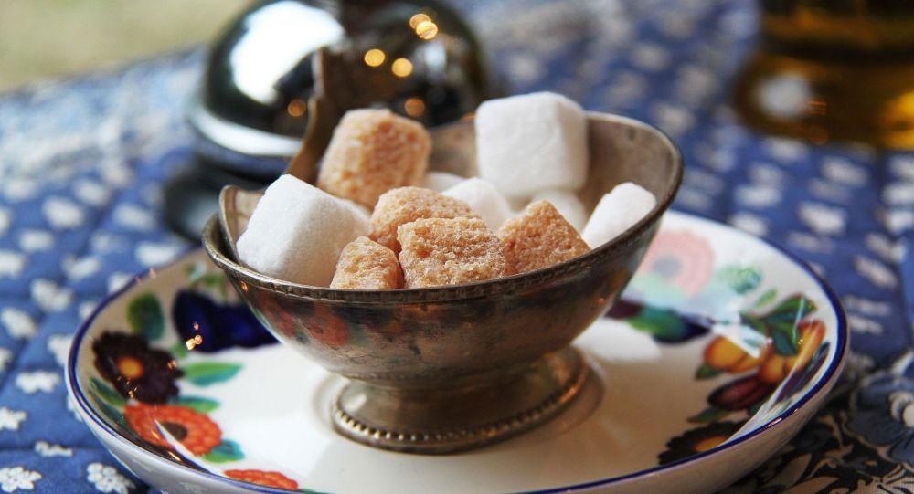بني أم أبيض...أي نوع من السكر الأكثر فائدة وما أضراره