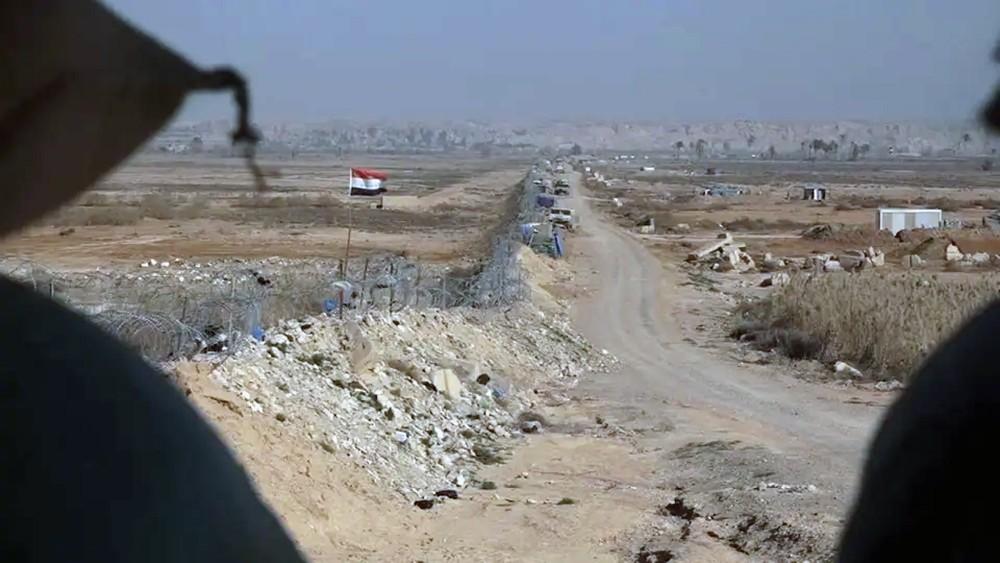 سوريا.. طائرات مجهولة تقصف مواقع إيرانية في البوكمال