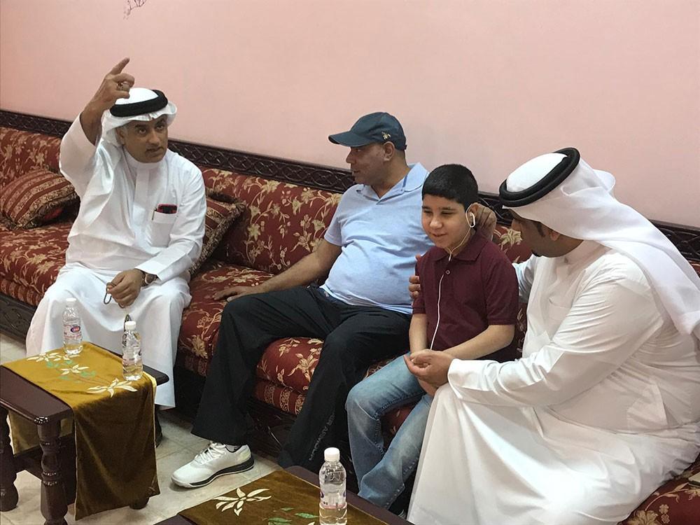 الصالح وآل عباس يزوران مركز الأمل بالكويت