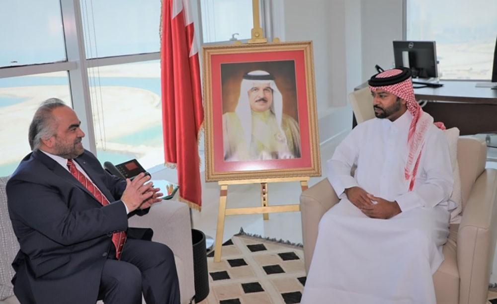 فيصل بن راشد يستقبل رئيس شركة الخليج لصناعة البتروكيماويات