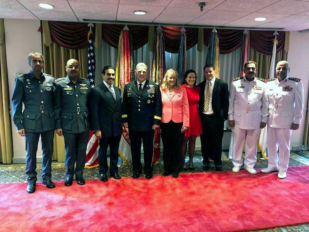 سفير البحرين في واشنطن يحضر مراسم تنصيب رئيس هيئة الأركان الأمريكية