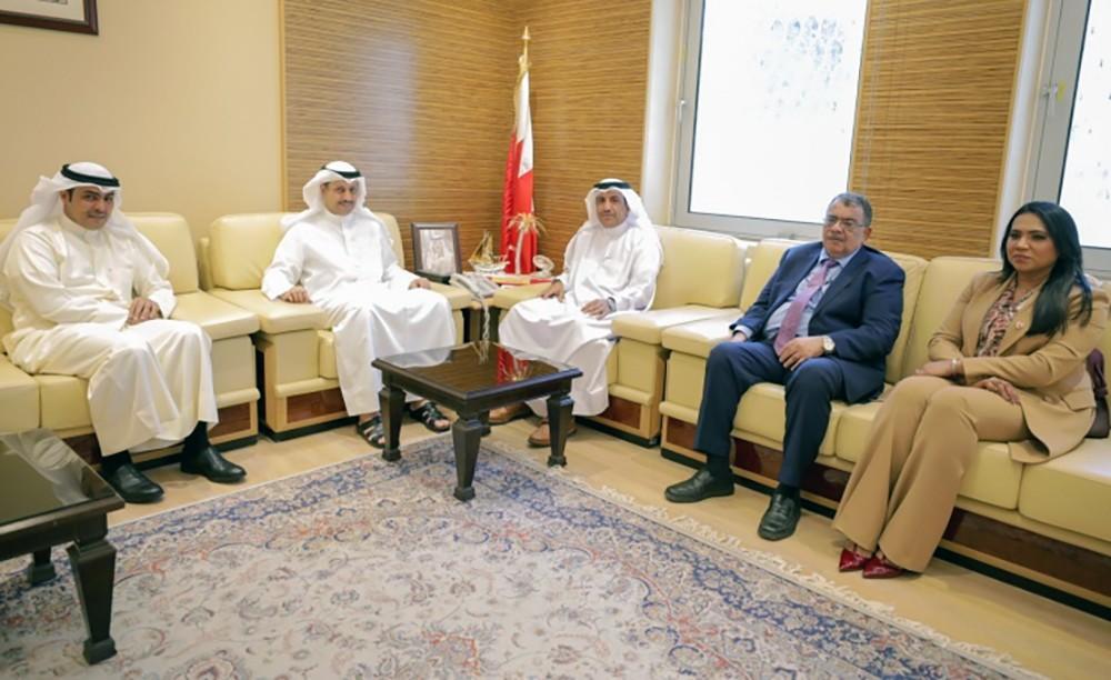 وزير الاشغال يبحث مع النائب غازي آل رحمة احتياجات (رابعة الشمالية)