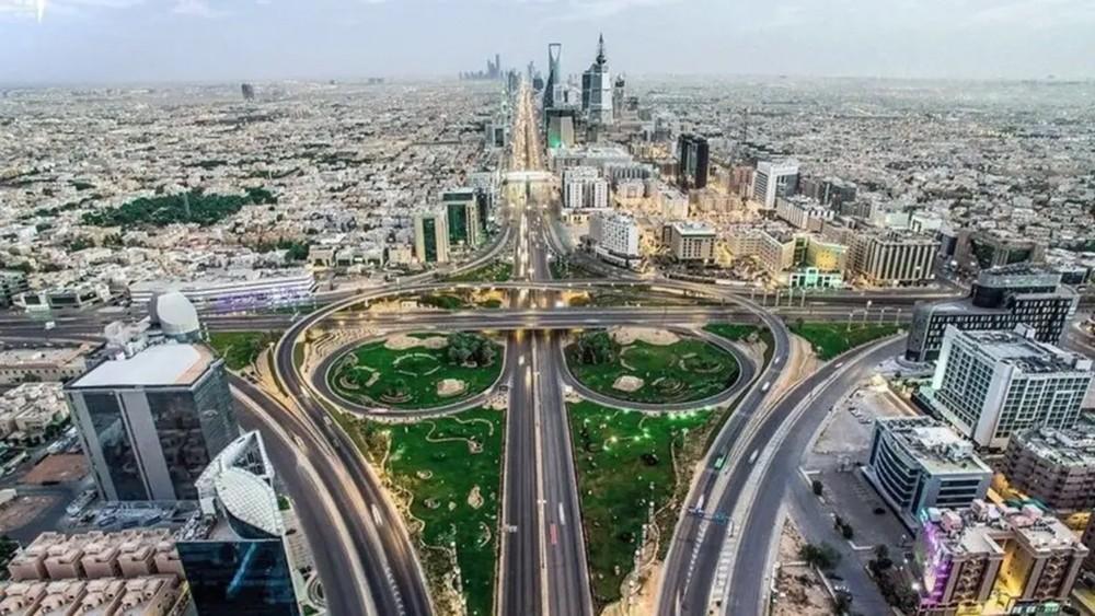 القصبي: نظام الامتياز التجاري سيصدر قريباً بالسعودية