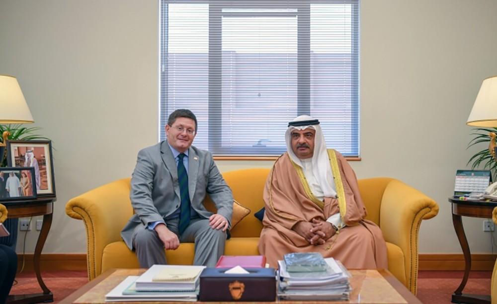 مستشار سمو رئيس الوزراء يستقبل السفير البريطاني