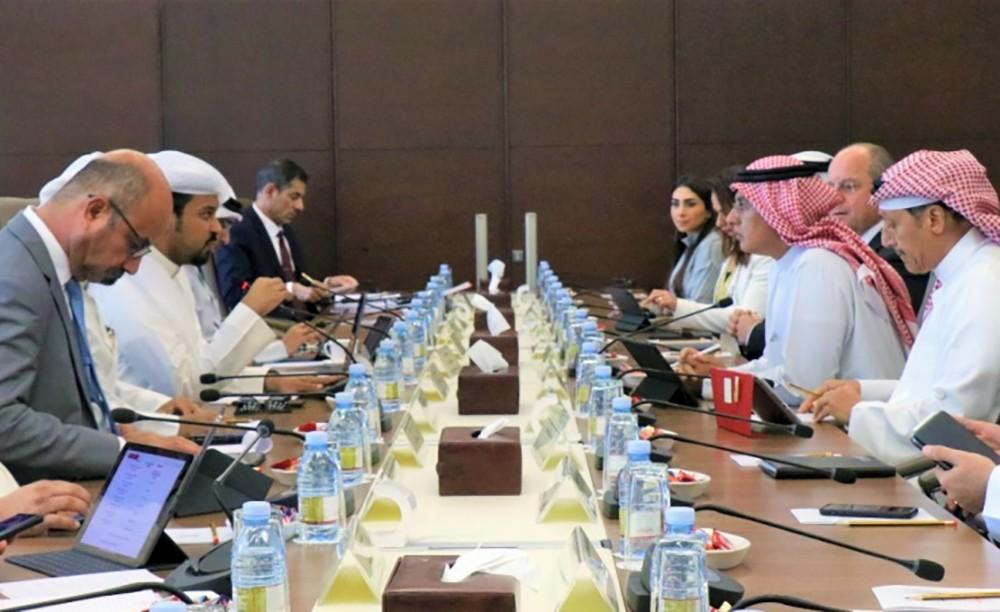 طيران الخليج ولجنة التحقيق البرلمانية يبحثان توطين الوظائف