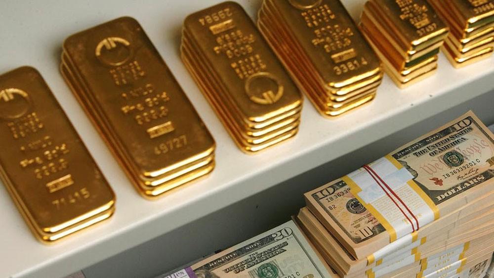 الذهب يرتفع بفعل بيانات اقتصادية سلبية أميركية