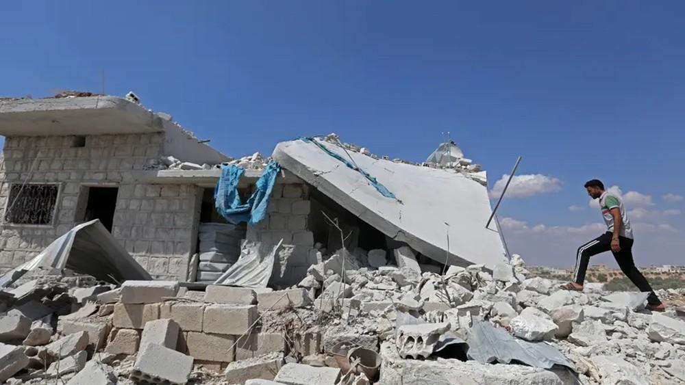 مقتل 9 مقاتلين متطرفين بغارات روسية على إدلب