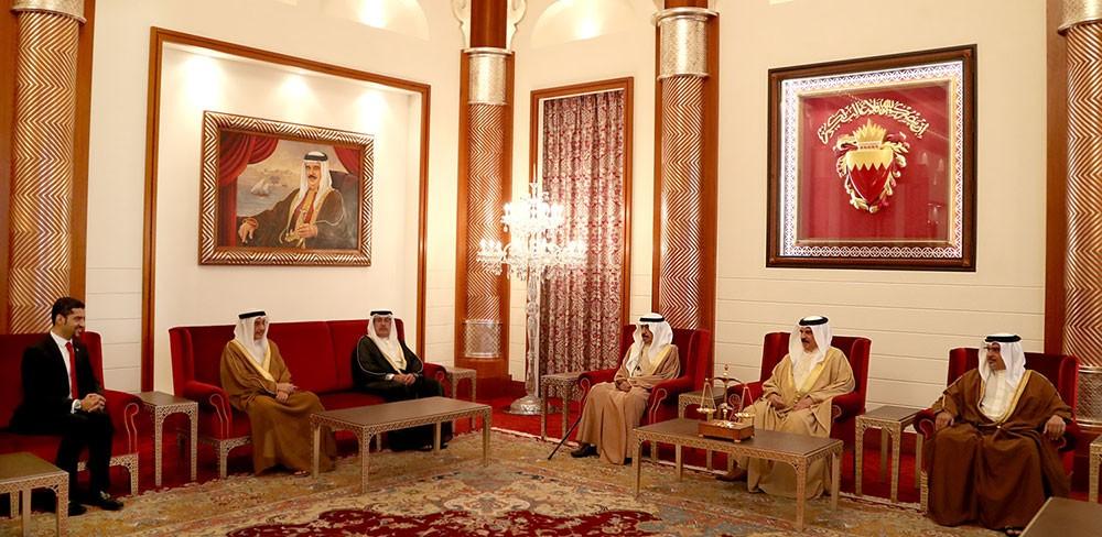 جلالة الملك يستقبل وزير شؤون الكهرباء والماء الجديد لأداء القسم