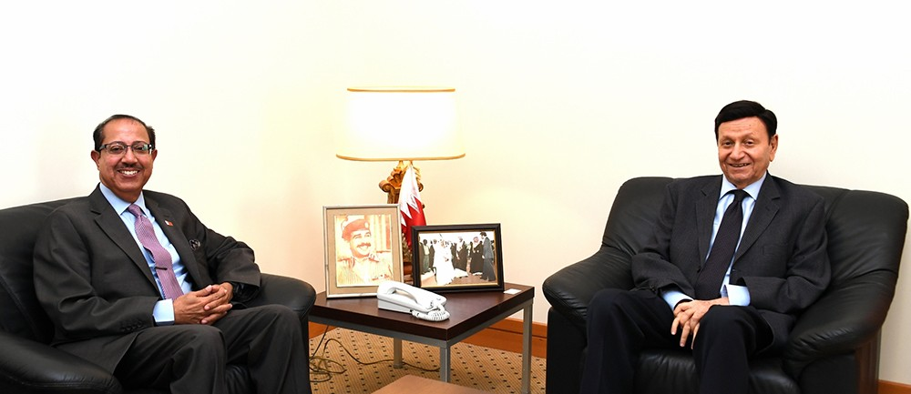 مستشار جلالة الملك للشؤون الاقتصادية يستقبل عضو مجلس الشورى خالد المسقطي