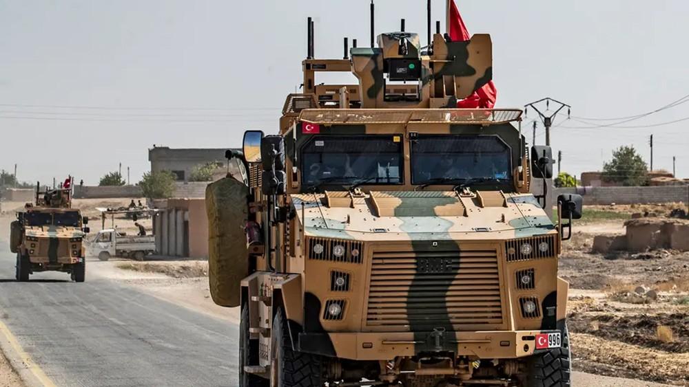 تركيا تواصل الحشد.. وموجة نزوح من شمال شرق سوريا