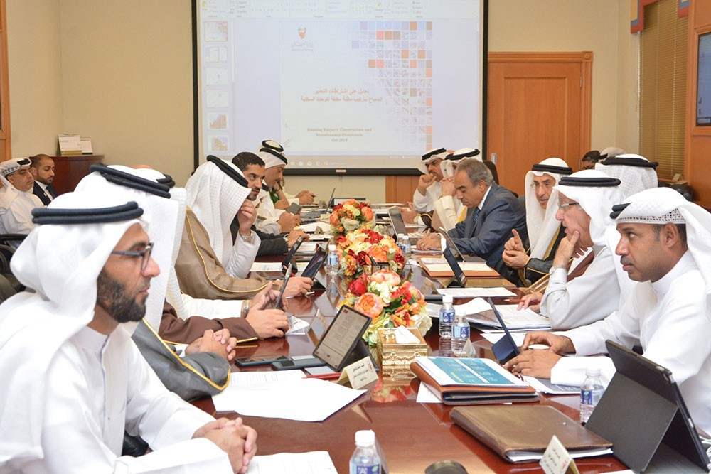 خالد بن عبد الله: تكليف الوزارات بتقديم خطط استكمال البنية التحتية