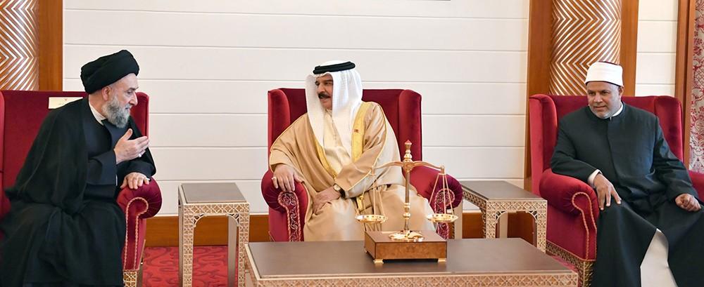جلالة الملك المفدى يستقبل المشاركين في أعمال المؤتمر الدولي الزكاة والتنمية الشاملة