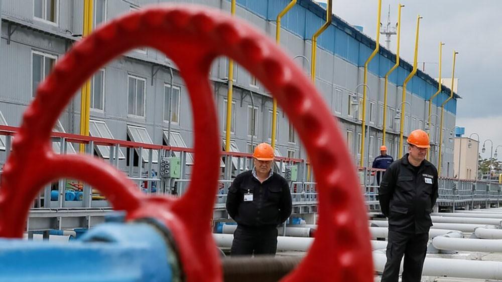 روسيا والصين تبنيان أكبر مصنع للبتروكيميائيات في العالم