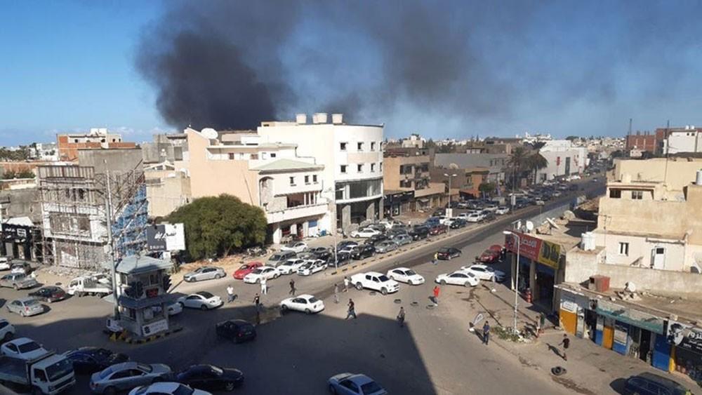 ليبيا.. الجيش يقصف معسكرات الوفاق بضواحي طرابلس