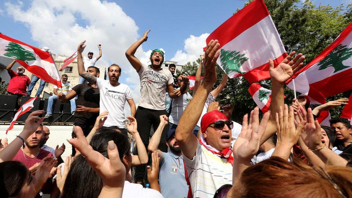 بيان المتظاهرين في لبنان: نطالب بانتخابات مبكرة