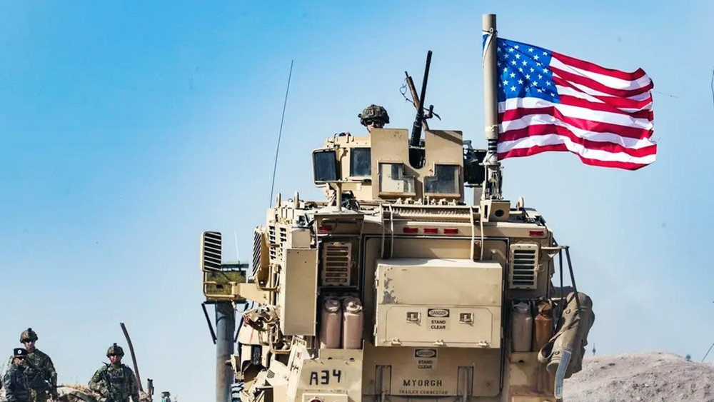 إسبر: البنتاغون يبحث إبقاء بعض القوات في شمال سوريا