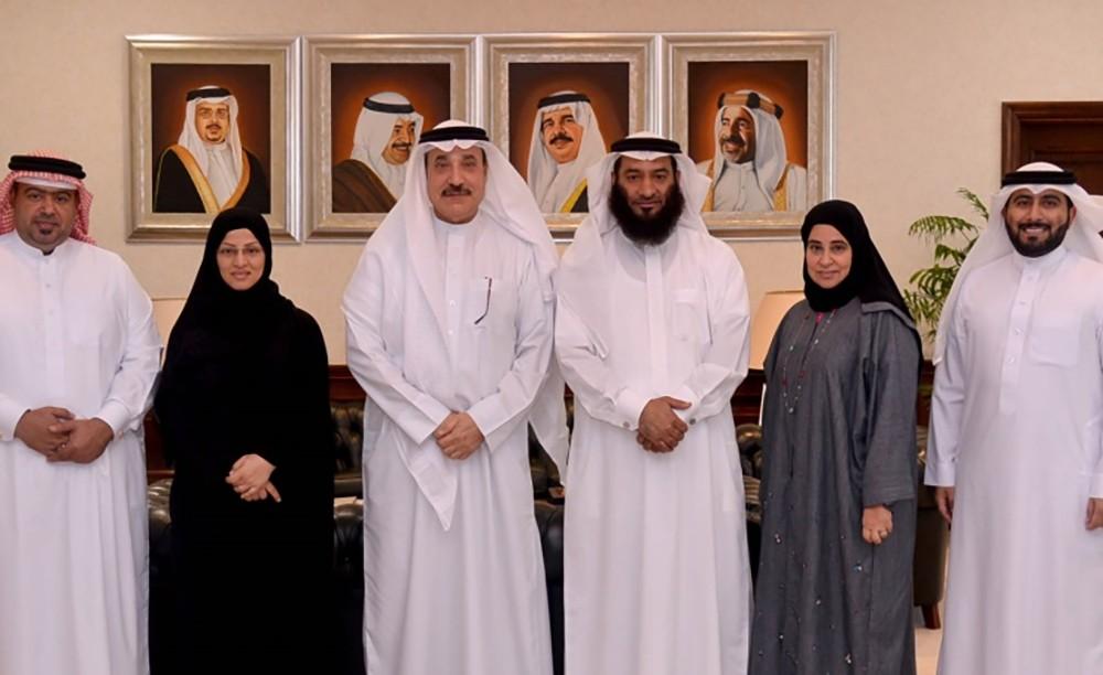 الوزير حميدان والنائب زايد يشيدان بالمبادرات المبتكرة للشباب البحريني