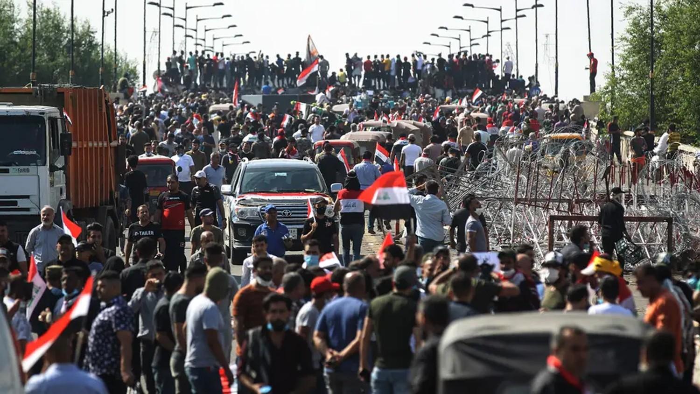 """دماء تسيل في العراق.. عين واشنطن على """"الحشد"""" والمحاسبة"""
