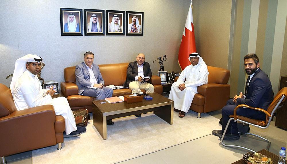 كمال يجتمع بفريق العمل المختص في وضع استراتيجية البارالمبية البحرينيية
