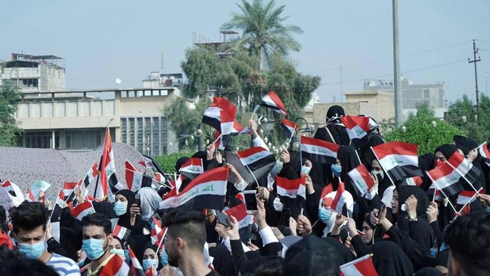 العراق.. الاحتجاجات متواصلة وسقوط قتيل وجرحى في كربلاء