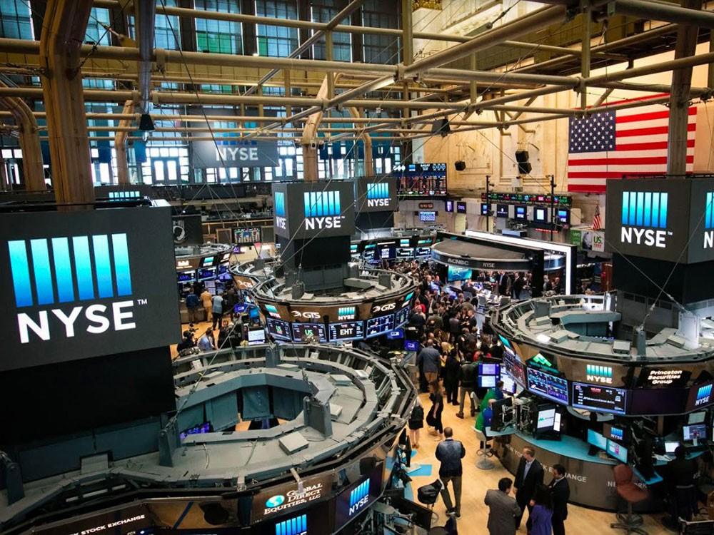الأسهم الأمريكية تبدأ تعاملاتها على ارتفاع