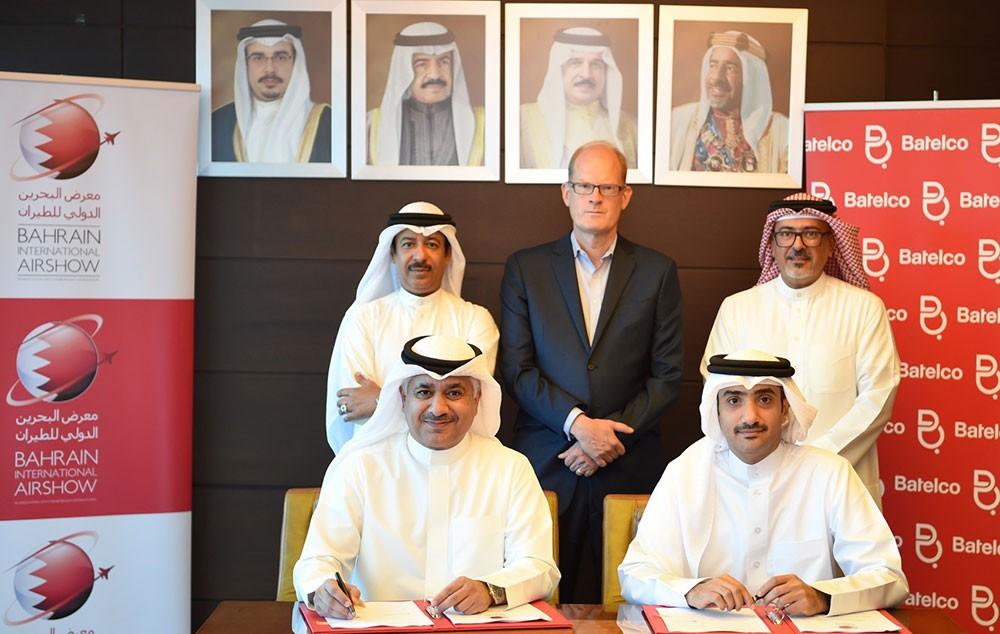 وزير المواصلات يوقع مع شركة بتلكو كراعي رئيسي لمعرض البحرين الدولي للطيران
